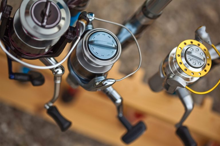 How to Change a Fishing Reel from Right to Left-Handed thumbnail